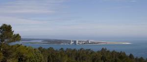 Vista_de_Setúbal_desde_el_molino,_Sierra_de_San_Felipe,_Portugal,_2012-05-11,_DD_01
